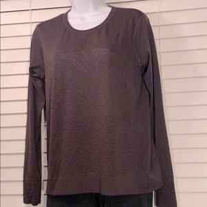 Lululemon seamless mesh long sleeve crew neck tee